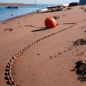 chain in sand
